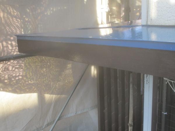 破風板補修と塗装が終了しました