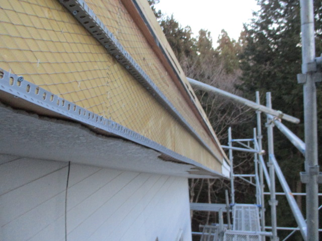 破風と軒天の下地加工が終了しました