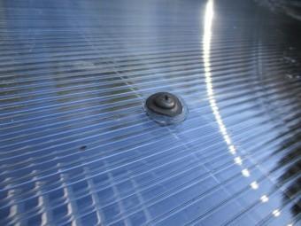 テラス屋根にポリカ中空ボードを取り付けました