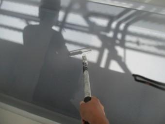 防水塗装の平面の塗装中です