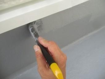 防水塗装の上塗り2回目です
