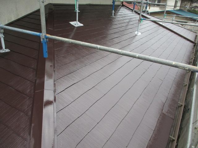 1階屋根の上塗り塗装が終了しました