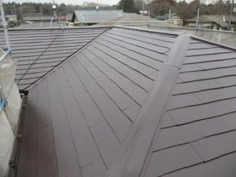 2階屋根の上塗り塗装が終了しました