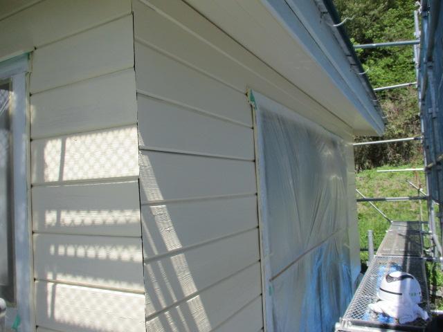 外壁の中塗りが終了しました