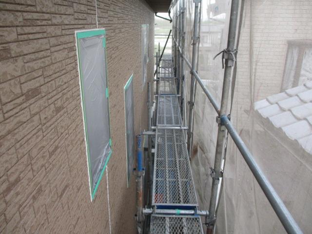 外壁の下塗り塗装が終了しました