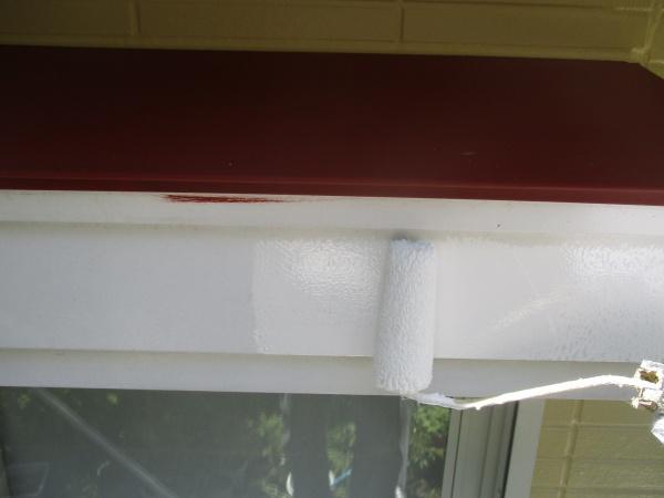 破風板塗装中です