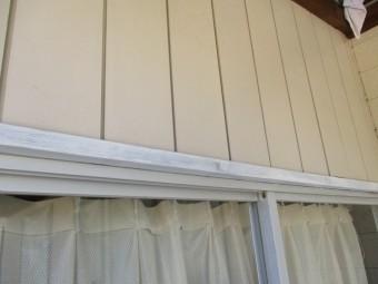 窓枠の下塗りが終了しました