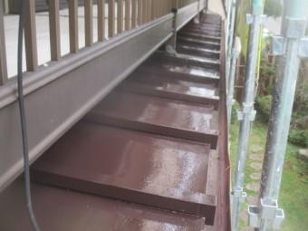 瓦棒板金屋根の上塗り終了です