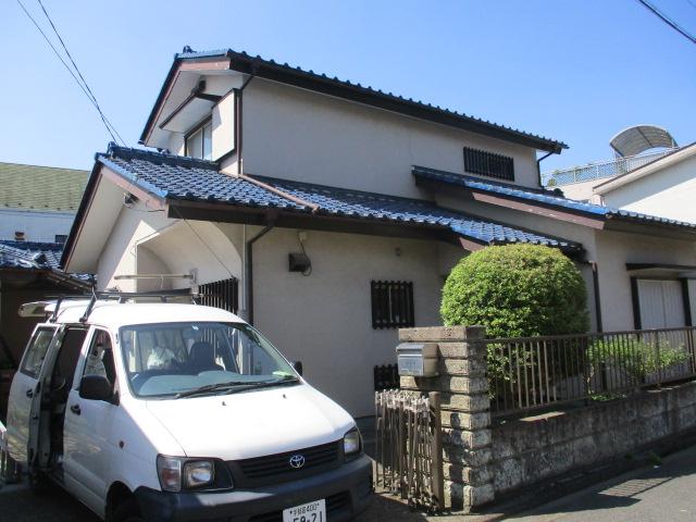 宇都宮市の釉薬瓦屋根住宅の漆喰取り直し工事をしました。