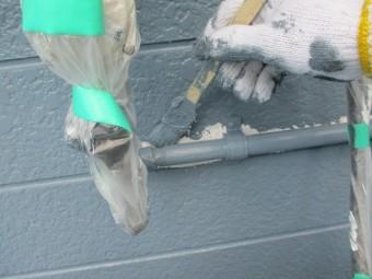 配管周りの刷毛塗装中です