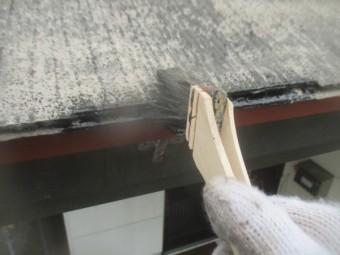軒先の中塗りだめ込み中です