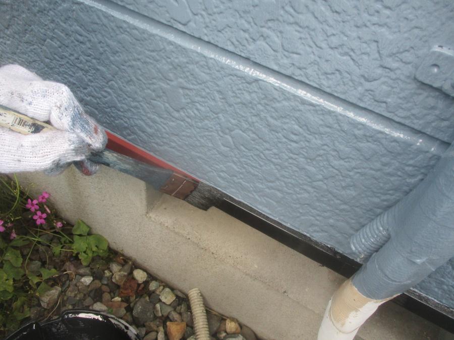 壁水切りの中塗り中です