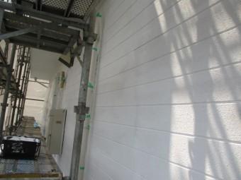 南面の下塗りが終了しました