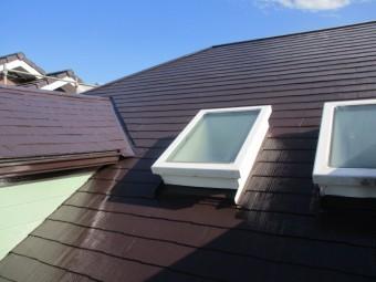 屋根の上塗りが終了しました
