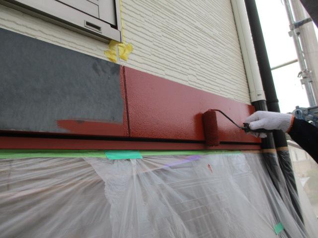 幕板の下塗り中です