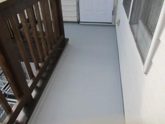 防水塗装の中塗り3回目が終了しました