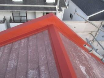 棟板金のさび止め塗装が終了しました