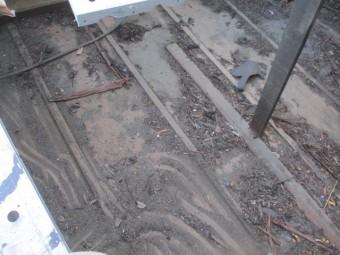 撤去後の小屋裏の状態です