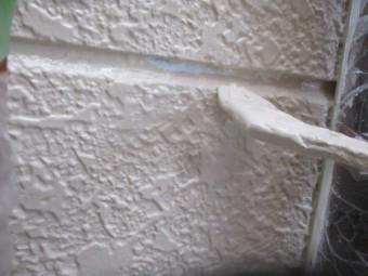 外壁中塗りのだめ直し中です