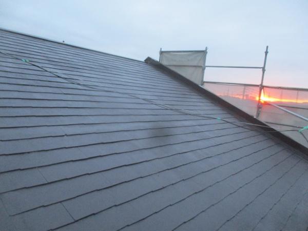 コロニアル屋根の中塗り終了です