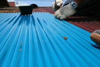 波板トタン屋根はアーチ型に加工されている